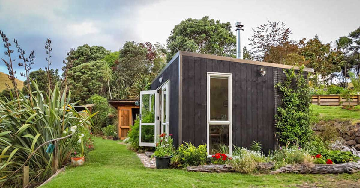 Woman who built an enchanting tiny home on family farm is living in a true paradise - my positive outlooks