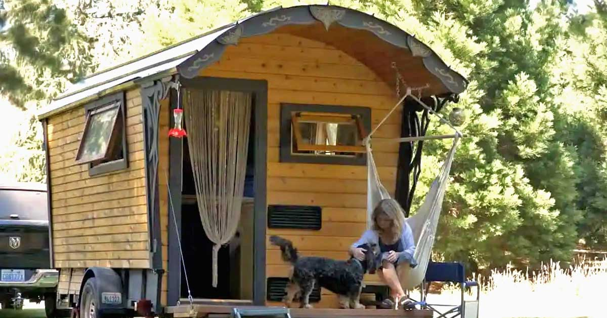 A woman who built a tiny wagon all by herself is living her best life traveling across the United States - my positive outlooks